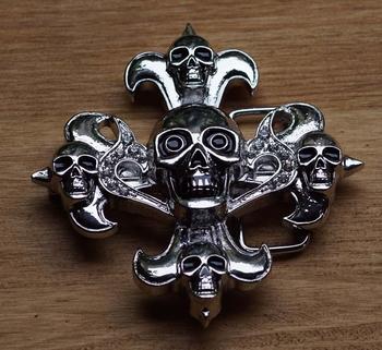 """Belt buckle  """" Kreuz mit Fünf Schädel """"  Silber Farbe"""