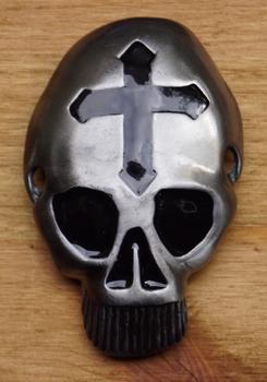 """Gurtelschnalle  """" Totenkopf mit Kreuz auf dem Kopf """""""