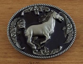 """Gürtelschnalle """" Galoppierendes Pferd """""""