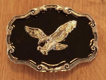 "Belt buckle  "" Gripping Eagle ""   Schwarz / Gold farbe"