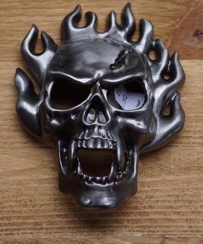 "Decorative buckle  "" Skull Flames """