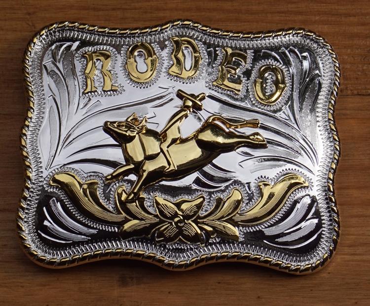 """Belt Buckle  """" Rodeobull """"   Silber- / Goldfarbe"""