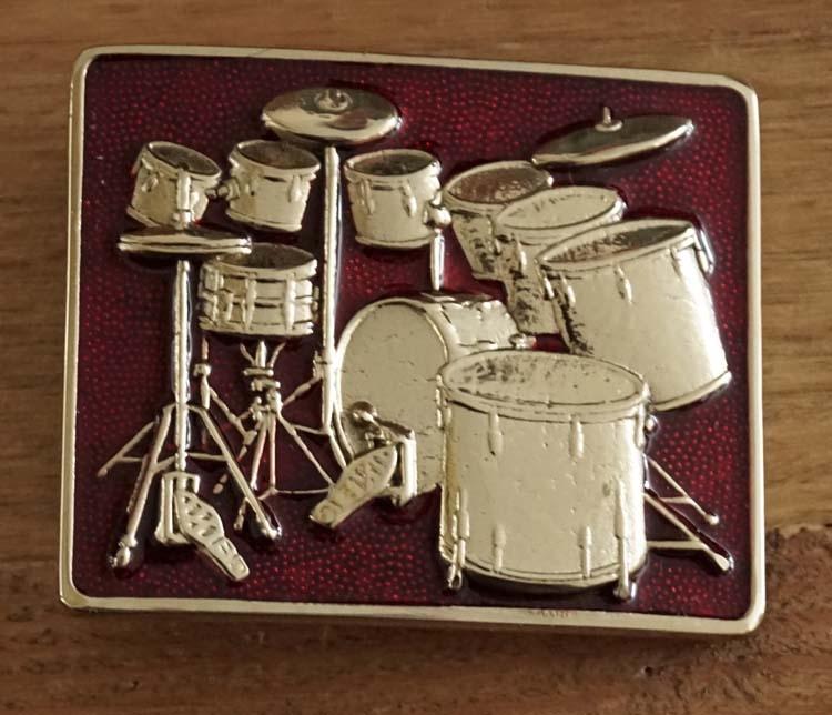 """Gürtelschnalle  """" Schlagzeug  """"  Rot / Gold Farbe"""